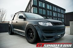Volkswagen Touareg Repo Truck. I want one badly.