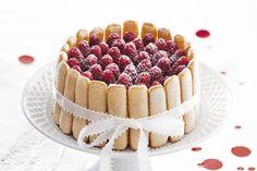 Cranberrygranaatappelcharlotte ingredienten - Food and Friends Sweet Recipes, Cake Recipes, Dessert Recipes, Xmas Food, Christmas Desserts, Yummy Things To Bake, Charlotte Cake, Charlotte Russe, Let Them Eat Cake