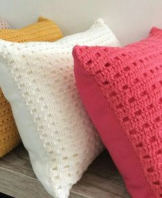 ideas knitting ideas for home decor free crochet Crochet Cushion Cover, Crochet Pillow Pattern, Crochet Cushions, Crochet Motif, Crochet Designs, Crochet Stitches, Crochet Patterns, Crochet Home, Love Crochet