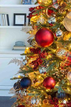 Merry Xmas Bobby Mini Heart Tin Gift Present Happy Christmas Stocking Filler