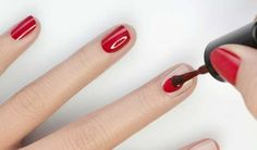pose_du_vernis_a_ongles - nail designs Beauty Secrets, Diy Beauty, Beauty Hacks, Beauty Makeup, Makeup Art, Makeup Tips, Makeup Hacks, Secret Nails, Gel Nagel Design