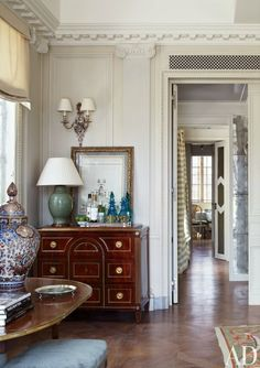 Michael S. Smith Renovates His Luxe Manhattan Penthouse - Architectural Digest Traditional Interior, Classic Interior, Home Interior, Traditional House, Interior Decorating, Interior Design, Decorating Ideas, Design Entrée, House Design