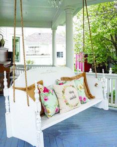 Beautiful Farmhouse Front Porch Decorating Ideas - Page 33 of 110 Farmhouse Front Porches, Building A Porch, Diy Porch, Porch Ideas, Front Porch Bench Ideas, House With Porch, Porch Decorating, Decorating Ideas, Decor Ideas