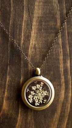 Pressed flower locket, Queen Annes lace