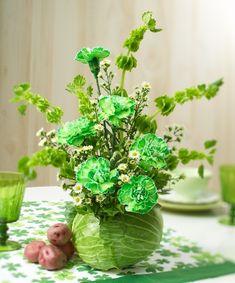 Floral Expert Jerry Rosalia shows you how to make a DIY St. Patrick's Day floral arrangement on the 1800flowers blog, Petal Talk! #stpatricksday #stpatricksdayflowers