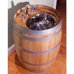 Wine barrel sink, great for an outdoor kitchen or man cave Fontaine A Punch, Whiskey Barrel Sink, Whiskey Barrels, Barris, Bbq Area, Grill Area, Shower Tub, Wood Projects, Barrel Projects
