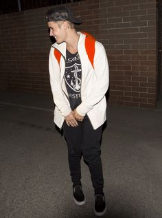 """odschis: """" Favorite Justin Bieber outfits in 2015 """" Justin Bieber Songs List, Justin Bieber Biography, Justin Bieber 2015, Justin Bieber Outfits, Justin Bieber Images, Justin Bieber Style, Hailey Baldwin, Miley Cyrus, Justin Baby"""