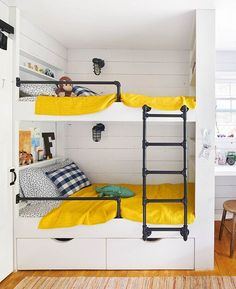 The kiddos would love these bunk beds (: @annieschlechter) #homedecor #shiplap