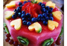 17 fotos de bolos de aniversário feitos de melancia