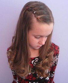 Wavy Hairstyle for Little Girls via