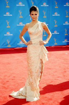 Saw her in this dress in person at the Emmy's. She looked absolutely beautiful <3