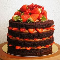 bolos decorados morangos 12