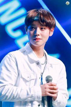 Wanna-One - Park Jihoon Minions, Lai Guanlin, Produce 101 Season 2, Kim Jaehwan, Ha Sungwoon, Child Actors, Kpop Guys, 3 In One, Jinyoung