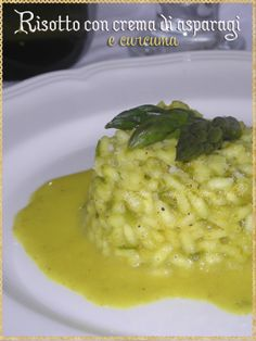 Risotto con crema di asparagi e curcuma (Risotto with asparagus cream and turmeric)