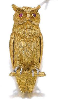 Gold Owl Brooch 1960s.JPG (289×491)