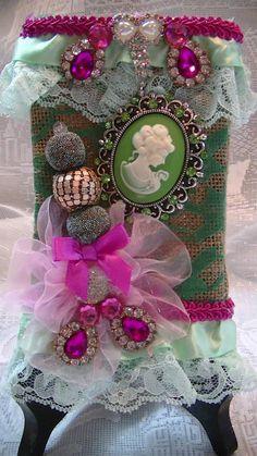 burlap bag i created Ornament Wreath, Christmas Wreaths, Burlap, Christmas Swags, Holiday Burlap Wreath, Hessian Fabric, Christmas Garlands, Jute