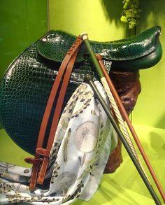 Hermès window displays - Croc saddle