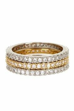 Such a gorgeous right hand ring. Or ring to wear in place of wedding ring with babies and little kids.