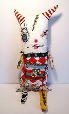Handmade Plush Monster Monster Vexie por JunkerJane en Etsy, $86.00