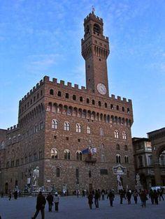 10 Must-See Sights in Florence: Piazza della Signoria and Palazzo Vecchio