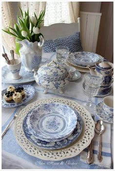 blue and white porcelain, blue and white china, tea party, tea time