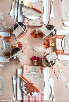 These printables make setting a gorgeous kids' Thanksgiving table a breeze! Thank you Lia Griffith from MichaelsMakers for these DIY Kids Thanksgiving Table Printables! Thanksgiving Crafts For Kids, Thanksgiving Table Settings, Thanksgiving Tablescapes, Thanksgiving Parties, Thanksgiving Decorations, Kids Christmas, Christmas Tables, Holiday Tables, Kids Crafts