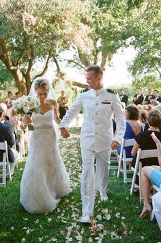 Tips for Planning a Military Wedding   Photo by: Suzi Q Varin   TheKnot.com