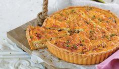 Hoender en soetrissiesous is 'n heerlike kombinasie. Fish Recipes, Yummy Recipes, Dessert Recipes, Yummy Food, Savoury Pies, Afrikaans, Quiches, Kos, Tarts