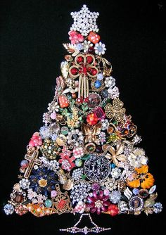 Christmas tree pink christmas jewelry tree I would love a tree like this! Noel Christmas, Christmas Jewelry, Vintage Christmas, Christmas Ornaments, Christmas Necklace, Christmas Wreaths, Christmas Wishes, Holiday Crafts, Holiday Fun