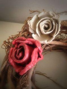 roos met kaarsvet