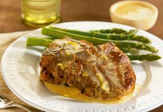 Rosemary Lamb Chops with Lemon Sauce – these exquisitely seasoned lamb chops are complemented by a savory lemon-mustard sauce. Try this zesty dinner recipe tonight! Pork Roast Recipes, Lamb Recipes, Entree Recipes, Sauce Recipes, Cooking Recipes, Dinner Recipes, Cooking Ideas, Rosemary Lamb Chops, Campbells Recipes