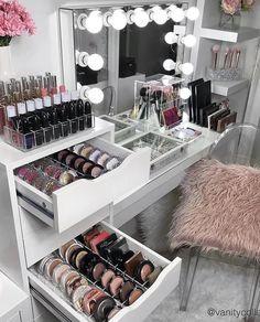 Trendy Makeup Organization Vanity Storage Make Up Mirror Ideas Beauty Room Decor, Makeup Room Decor, Makeup Rooms, Rangement Makeup, Makeup Storage Organization, Vanity Table Organization, Organization Ideas, Makeup Drawer, Make Up Storage