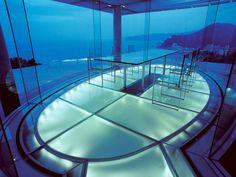 Kengo-Kuma-Water-Glass-House_