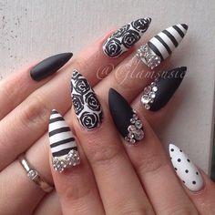 Black and white romantic nail art
