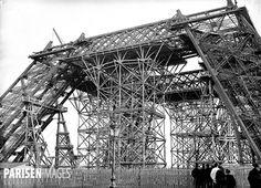 Construction de la tour Eiffel. Paris, 28 janvier 1888. Photographie Henri Roger.