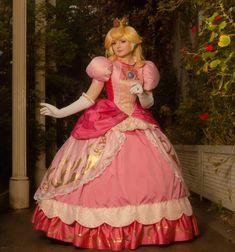 Princess Peach Cosplay, Mario Cosplay, Princesa Peach, Nintendo Characters, Bbq Rub, Fancy Dress, Pretty In Pink, Costumes, Female