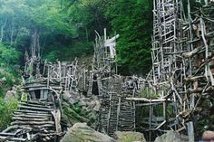 The Wooden Wonderland of Nimis (Arild, Sweden) Eccentric arts professor, Lars Vilks, constructed a grand driftwood and dry branch structure of towers, pathways and tunnels called Nimis.