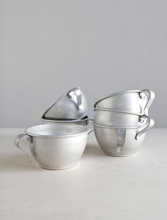 camping cups, for a holiday feel and for all the coffee...      aluminum cups / set of six.