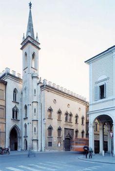 Musei Civici Reggio Emilia » Galleria Parmeggiani Reggio Emilia, Notre Dame, Building, Travel, Italia, Fotografia, Viajes, Buildings, Destinations
