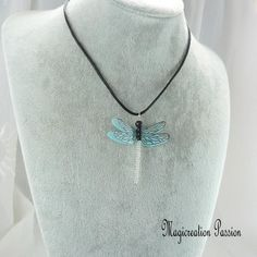 collier libellule double ailes soie bleu ciel et transparent, modèle Demoiselle Barrette, Transparent, Turquoise Necklace, 3d, Jewelry, Collection, Fashion, Dragonfly Pendant, Pendant Necklace