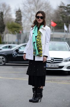 When this lady hits the city streets,she brings her fashion sense with her. Includes inspirational street fashion and everyday style. follow us here on pinterest at: https://www.pinterest.com/kellicouture/