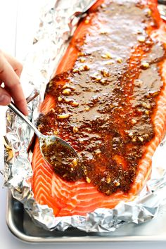 The homemade Honey Mustard Sauce in this delicious salmon recipe is SO delicious, and takes just a few minutes to prepare. | gimmesomeoven.com