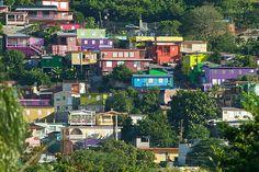 Barrio el Cerro de Yauco, Puerto Rico: Colores sobre un Lienzo Urbano ...