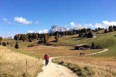 Wandern in Südtirol: Die besten Touren für Einsteiger The Good Place, Abs, Country Roads, Mountains, Places, Nature, Travel, Outdoor, Nice