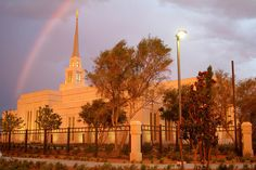 Gila Valley Arizona Temple | 20 Magical Photos of Rainbows Outside Temples
