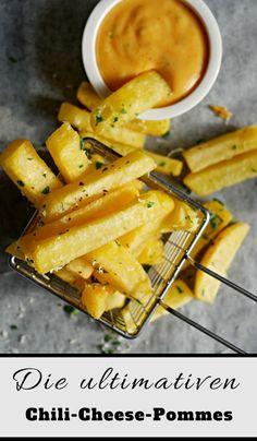 Die besten Chili Cheese Pommes. Nicht matschig sondern total knusprig und lecker.