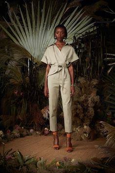 See the entire Spring 2018 collection from Nicole Miller.