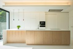 Trouilliez - White / Oak kitchen