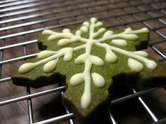 Great looking matcha (green tea) shortbread with white chocolate. 10 Amazing and Creative Christmas Recipes for Your Inspirations