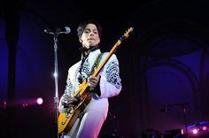 Throwback Thursday : Prince, un look unique !   http://freakshow-chroniques.blogspot.fr/2013/05/prince-retour-sur-un-look-unique.html